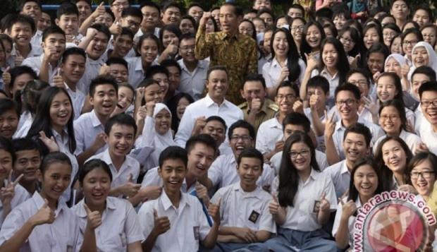 17 Lulusan SMA Terima Beasiswa ke Tiongkok - Warta Ekonomi