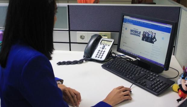 Penjualan Komputer Anjlok, Intel Berencana Pangkas Ribuan Karyawan - Warta Ekonomi