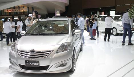 Foto Berita Penjualan Kendaraan Indonesia Tahun 2013 Diprediksi Tetap 1,2 Juta Unit