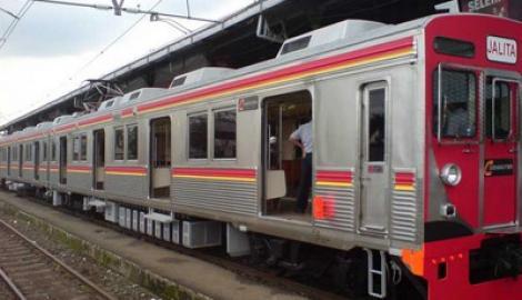Foto Berita PT KAI: E-Ticketing Kereta Api Jabodetabek Mulai Juni 2013