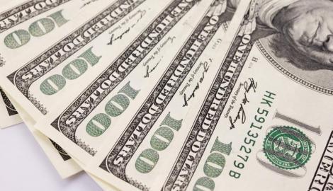 Foto Berita Dolar Merosot Terhadap Euro Karena Estimasi Pertumbuhan AS Di Luar Ekspektasi