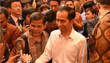 Foto Jokowi Hadir Temui Para Pendukungnya
