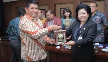 Foto Anggota DPR Bantah Ada Kaitan Suap Saipul Jamil