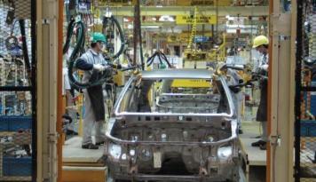 Foto Menperin Apresiasi Peluncuran Produk Otomotif
