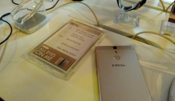 Foto Simak Fitur Utama Smartphone Baru Infinix HOT S X521