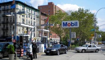 Foto Raksasa Energi Dunia Exxon Mobil Laporkan Kerugian Kuartalan