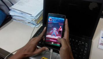 Foto Maluku Belum Terima Larangan Main Pokemon Go