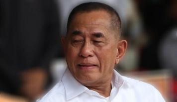 Foto Presiden Filipina Desak Abu Sayyaf Menyerah