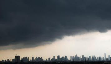 Foto Ruang Kosong Perkantoran Jakarta Diprediksi Masih Tinggi