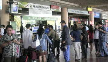 Foto AP Bandara Samrat Ingatkan Masyarakat Waspada Kebakaran