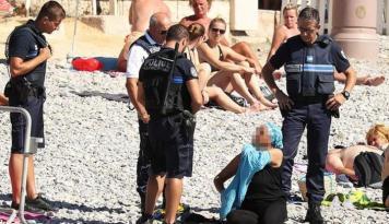 Foto Akhirnya, Pengadilan Perancis Menangguhkan Larangan Penggunaan Burkini