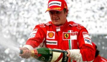 Foto Kimi Raikkonen Jadi Yang Tercepat di Belgia