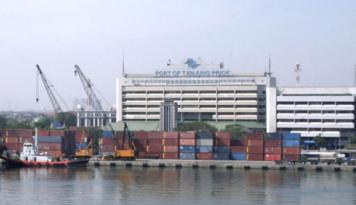 Foto Pelindo II: Kapal Besar Tak Perlu Lagi Singgah di Singapura