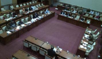 Foto DPR Minta Pemerintah Kaji Tarif Interkoneksi