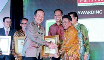Foto PT Smart Tbk Borong Tiga Penghargaan Praktik Keberlanjutan