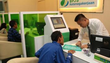 Foto Catat, Perusahaan Wajib Daftarkan Pekerja ke BPJS-Tk