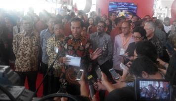 Foto Jokowi Ajak Anak Muda Turut Kembangkan Inklusi Keuangan
