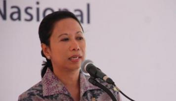 Foto Menteri Rini: Seluruh Petani Tebu Dapatkan Kartu Tani