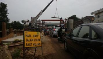 Foto Wow, Angka Kecelakaan mobil di Indonesia Tinggi
