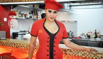 Foto Reenee Tandjung Promosikan Kuliner Indonesia di Kerajaan Inggris