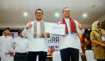 Foto Anies-Sandiaga Serap Aspirasi Warga Jakarta