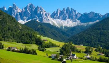 Foto Indonesia Bisa Banyak Belajar Pengembangan Industri Pariwisata Swiss