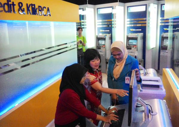 Anabatic Gelar Upacara Topping Off Graha Anabatic